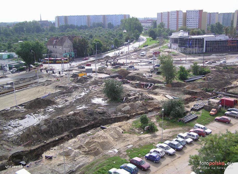 2005-2006_-_przebudowa_ulicy_Zmigrodzkiej_45873_Fotopolska-Eu