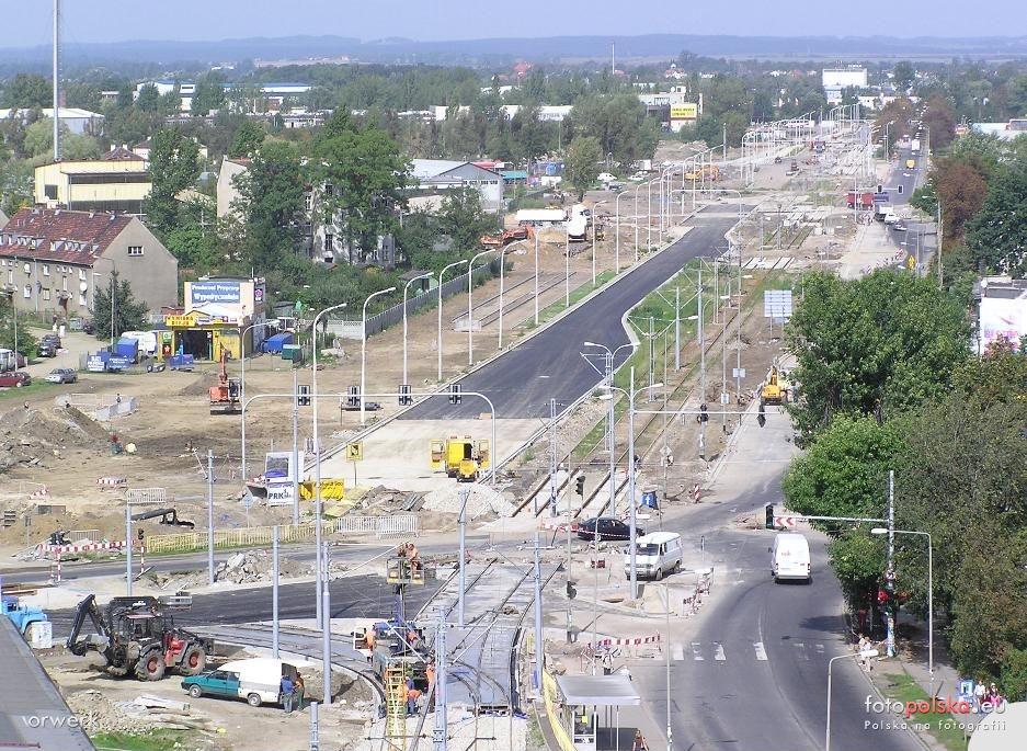 2005-2006_-_przebudowa_ulicy_Zmigrodzkiej_45882_Fotopolska-Eu