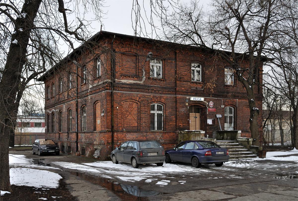Komisariat_Policji_Wroclaw_Psie_Pole_-_Rewir_86133_Fotopolska-Eu