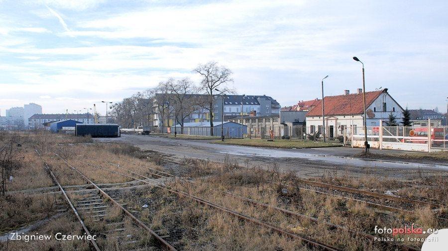 Polnocna_kolejowa_bocznica_towarowa_108688_Fotopolska-Eu
