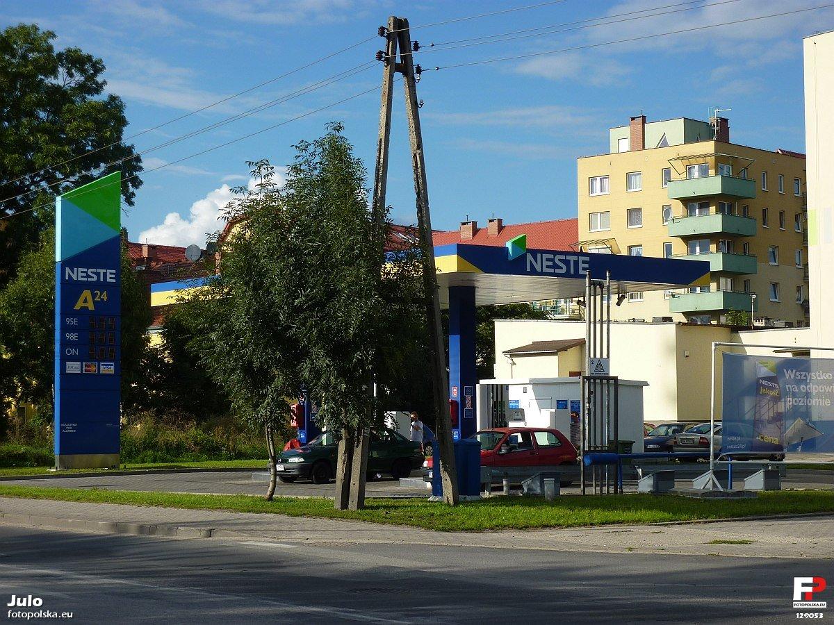 Stacja_benzynowa_Neste_129053_Fotopolska-Eu