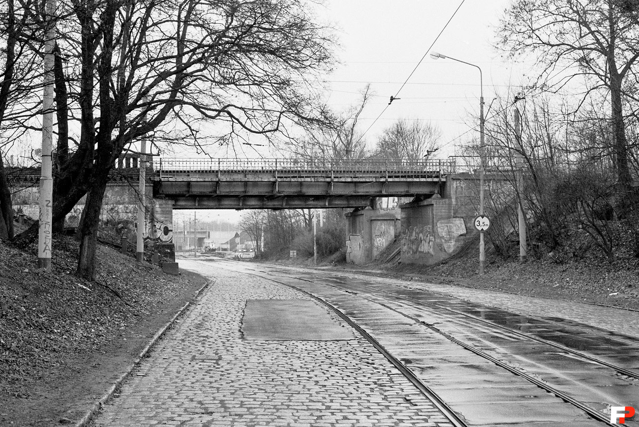Wiadukt_kolejowy_29704_Fotopolska-Eu