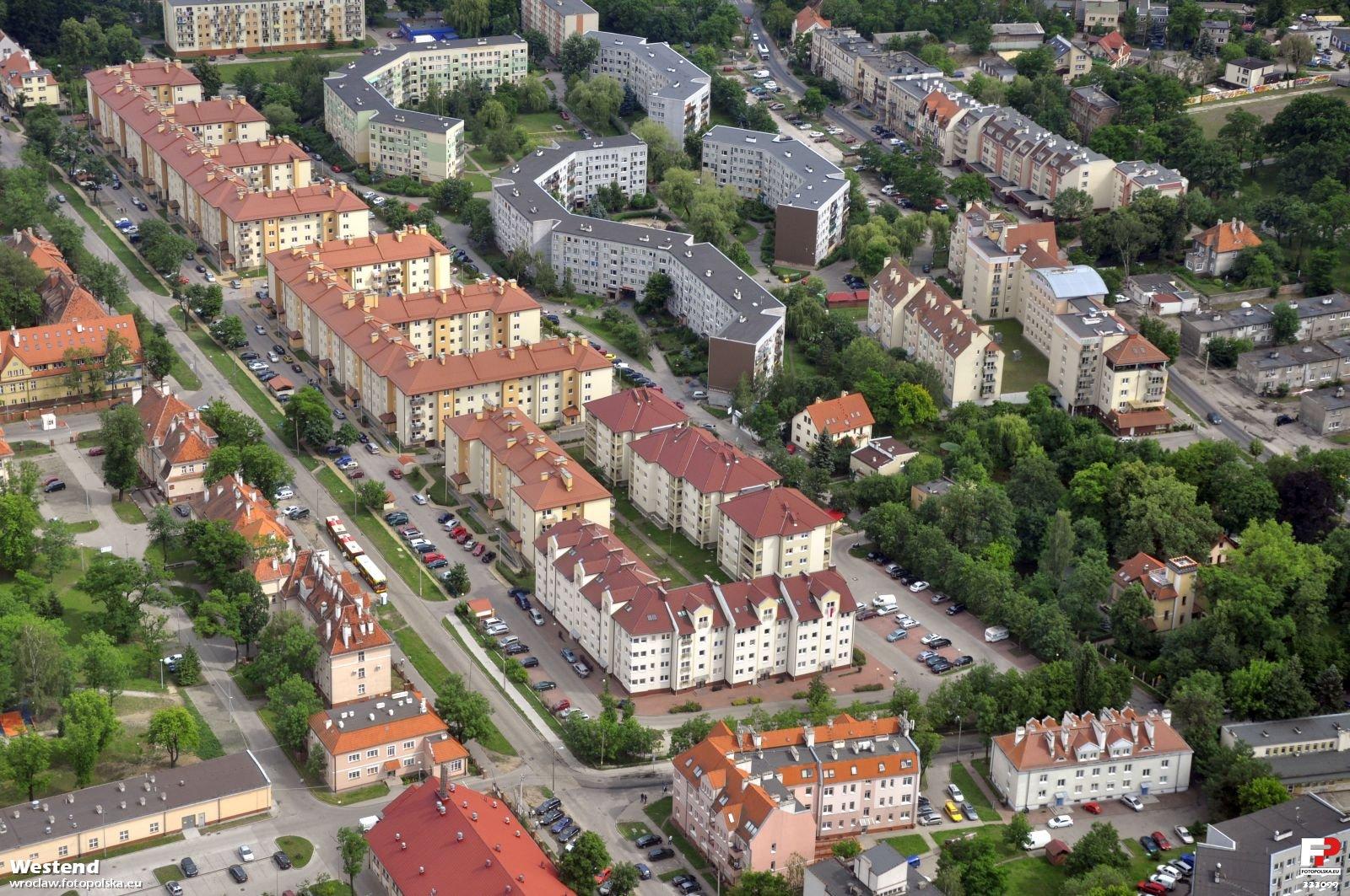 Zdjecia_lotnicze_-_Karlowice_333099_Fotopolska-Eu