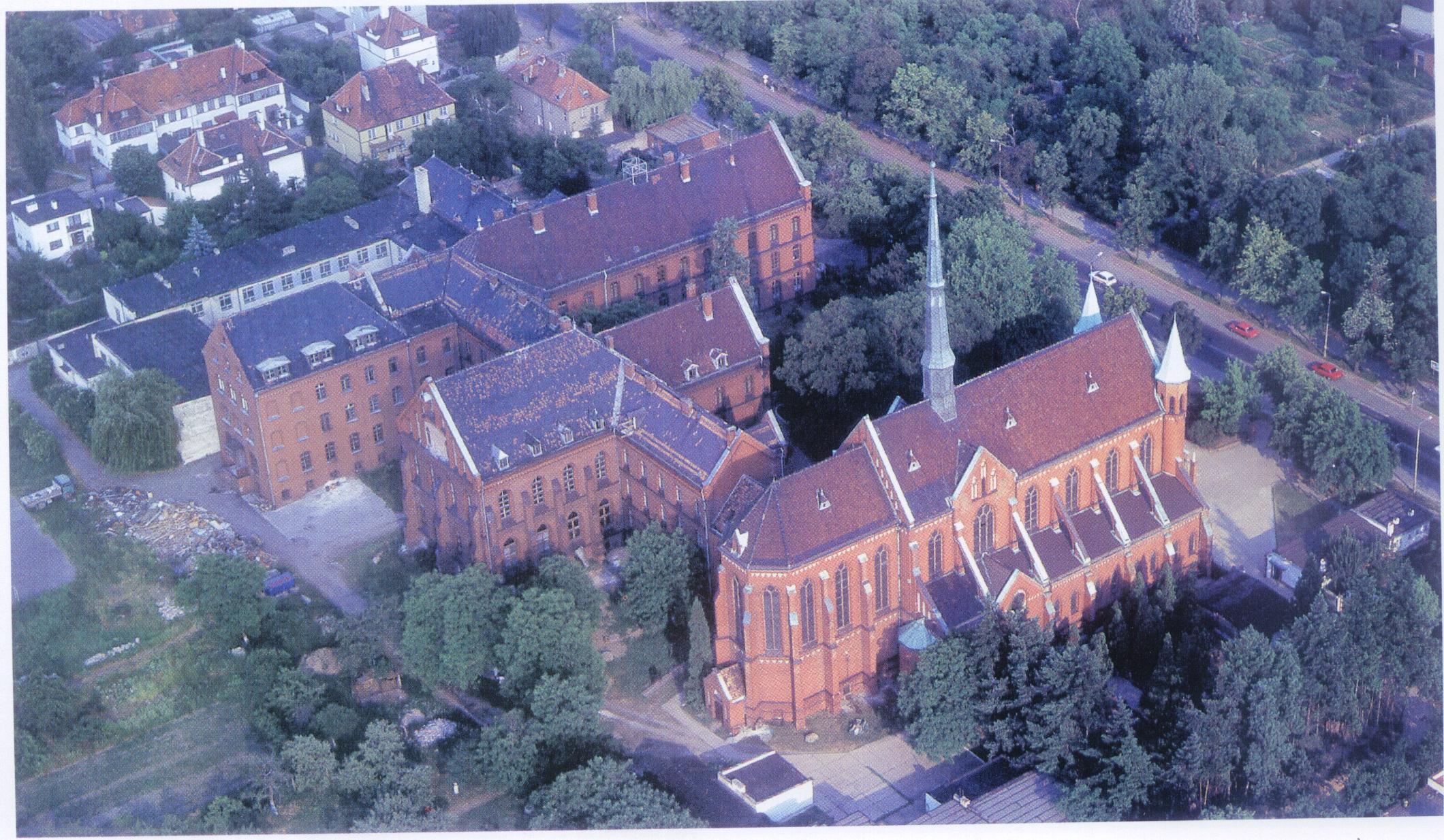 kościół z lotu 01