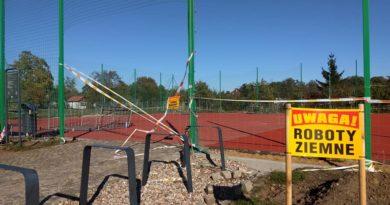 Rozbudowa boiska i zieleni na Polanie Karłowickiej